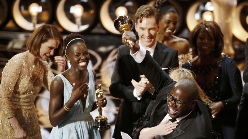 Doce años de esclavitud se lleva el gran premio.Scarlett Johansson, ejemplo de un comportamiento que se da más en los hombres