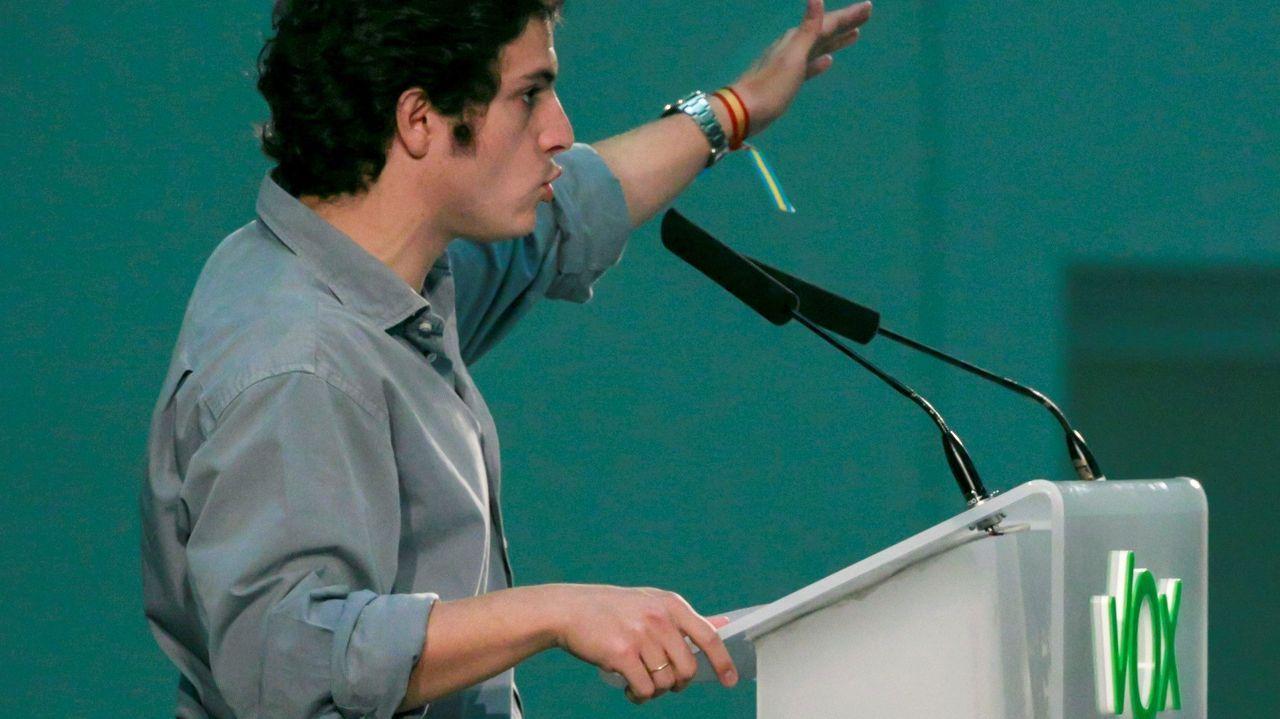El cabeza de lista de Vox al Congreso por Asturias, José María Figaredo durante un acto electoral