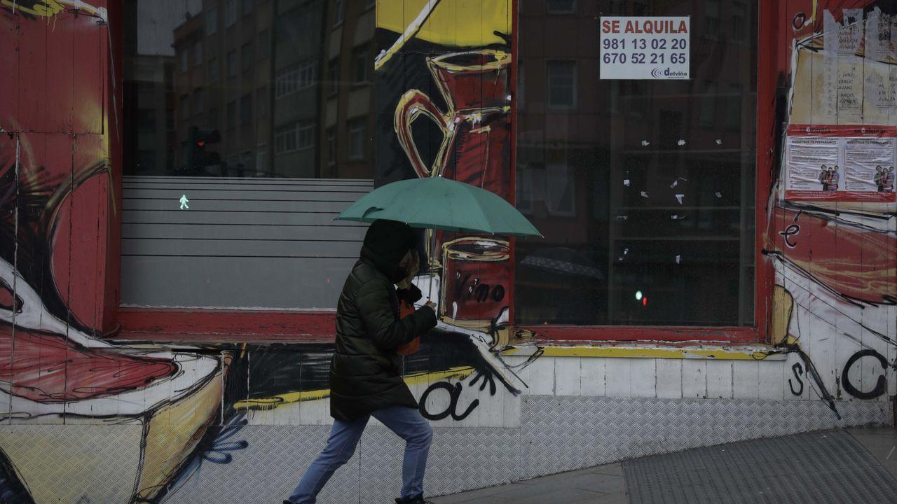 Cristina Fernández, en Casa Cuba, desde donde se ven las obras en Puga y Parga