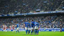 Los futbolistas azules celebran uno de los tantos ante el Albacete