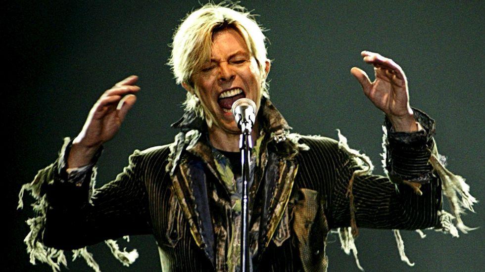 La fama le llegó a David Bowie en el año 1969 cuando Space Oddity logró alcanzar el top 5 de la lista británica de sencillos.