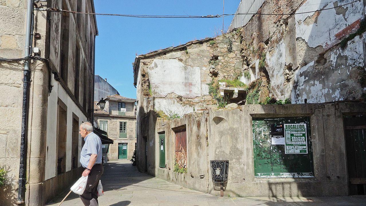 Casa en ruinas en el centro de Padrón
