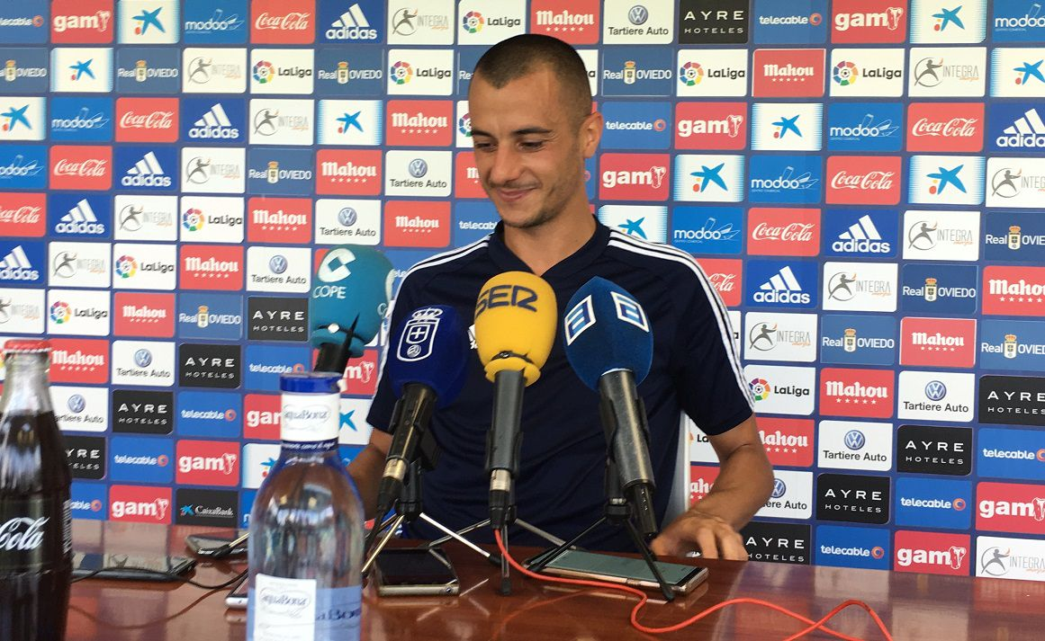 Rozada Real Oviedo Carlos Tartiere.Sergio Tejera en la sala de prensa de El Requexón