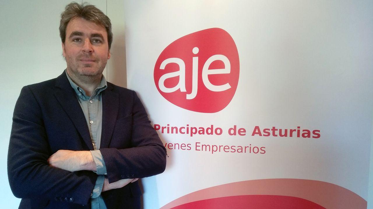 Visita de AJE Ourense a Benposta.Ignacio Calviño, presidente de la Asociación de Jóvenes Empresarios (AJE)