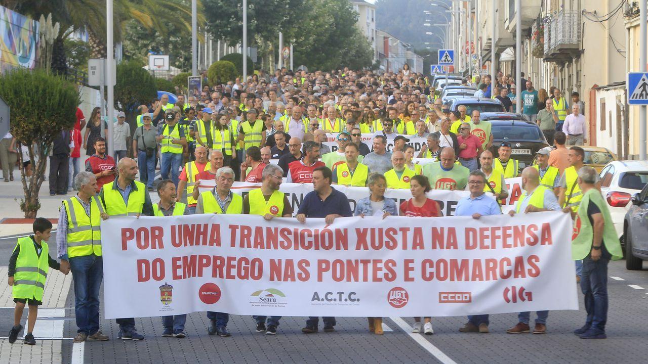 Más de 5.000 personas claman en la calle por el futuro del empleo de As Pontes y la comarca.Pleno de la constitución del Parlamento de Galicia en la presente legistatura