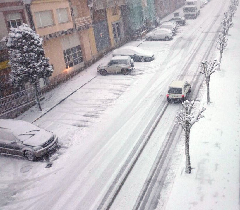 Todas las imágenes de las nevadas en Galicia.A Fonsagrada amaneció por completo cubierta de un manto de nieve.