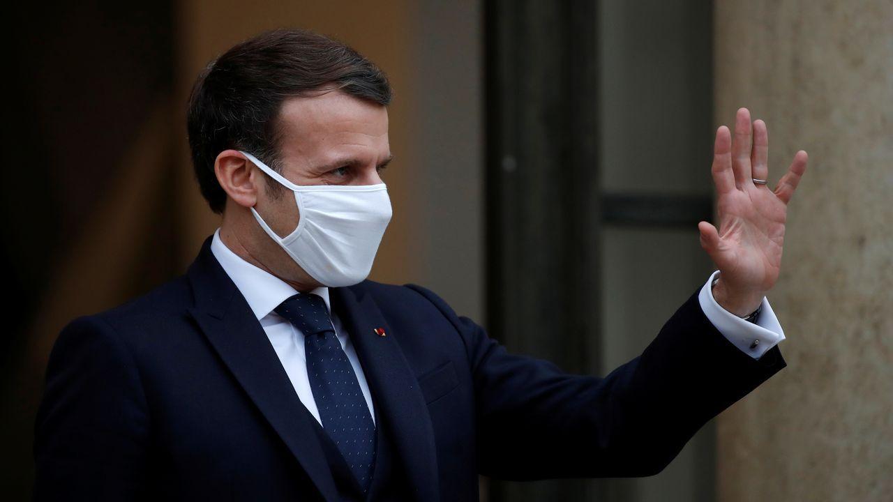 Iceta e Illa, en la toma de posesión del primero el día que el segundo abandonó el Gobierno.El presidente Emmanuel Macron