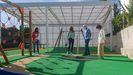 Xosé Lois Piñeiro y Natalia Prieto visitaron el parque infantil del Camiño Ancho