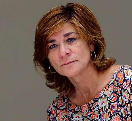 Pegatinas de urinario.Sonia Martínez dice que el público adulto es más fiel a las cadenas.