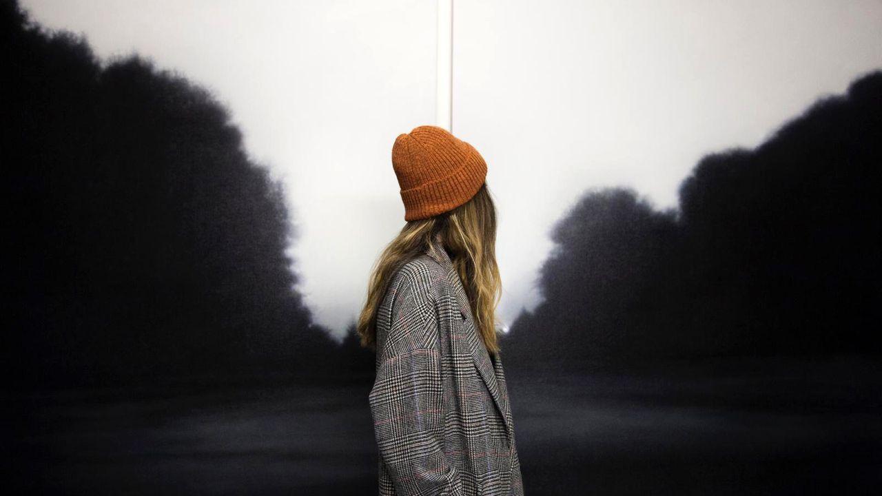 Evocador paisaje de Alain Urrutia en la galería Casado Santapau, un esperado retorno del pintor al gran formato