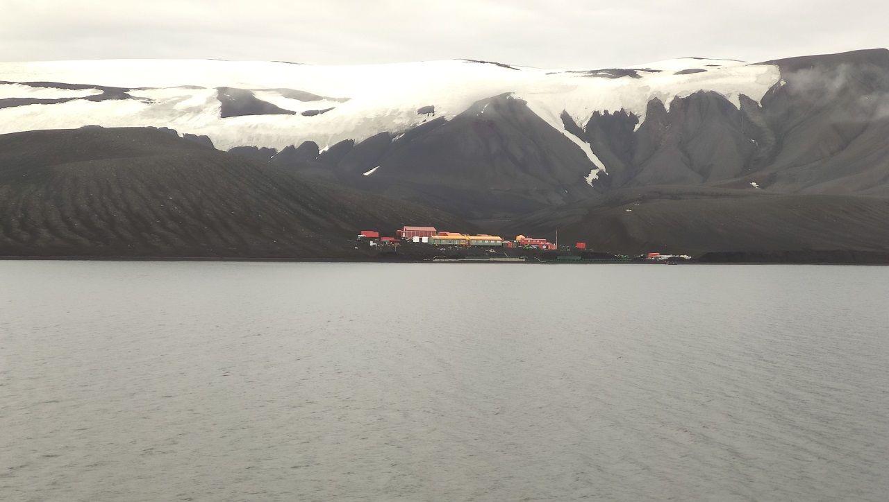 Así es la isla Decepción.La base española Gabriel de Castilla está alojada en esta isla volcánica de la Antártida