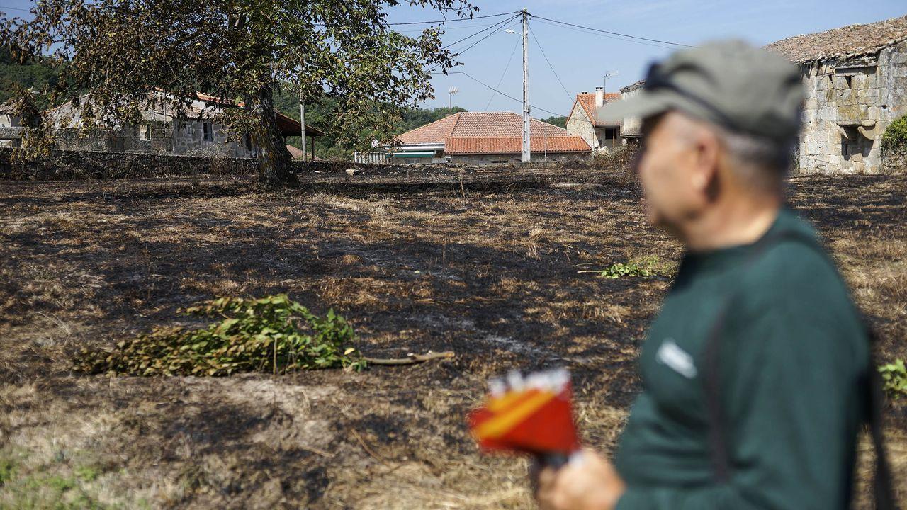 Incendio en Cenlle.Imagen del incendio de Hospital a primera hora de esta mañana