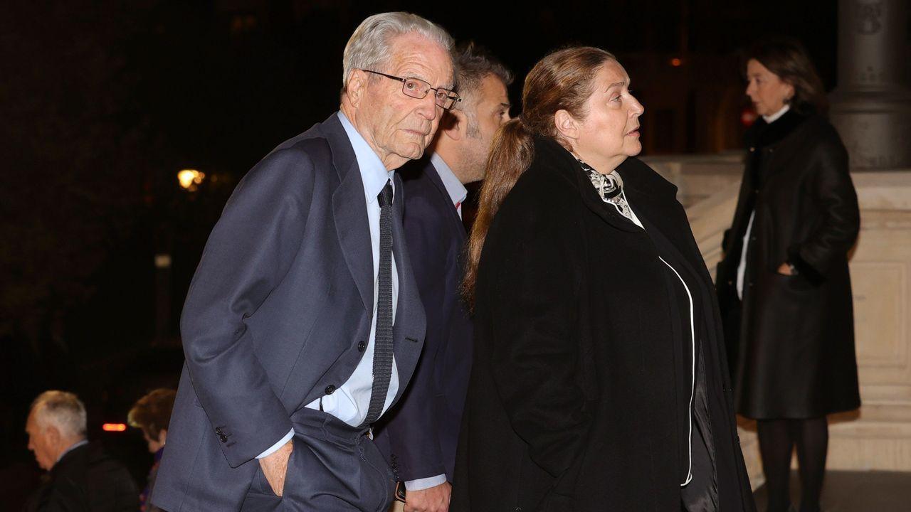 El abogado Antonio Garrigues Walker (i), asiste este miércoles al funeral del empresario Plácido Arango, fallecido el pasado 17 de febrero a los 88 años. EFE/JUANJO MARTÍN