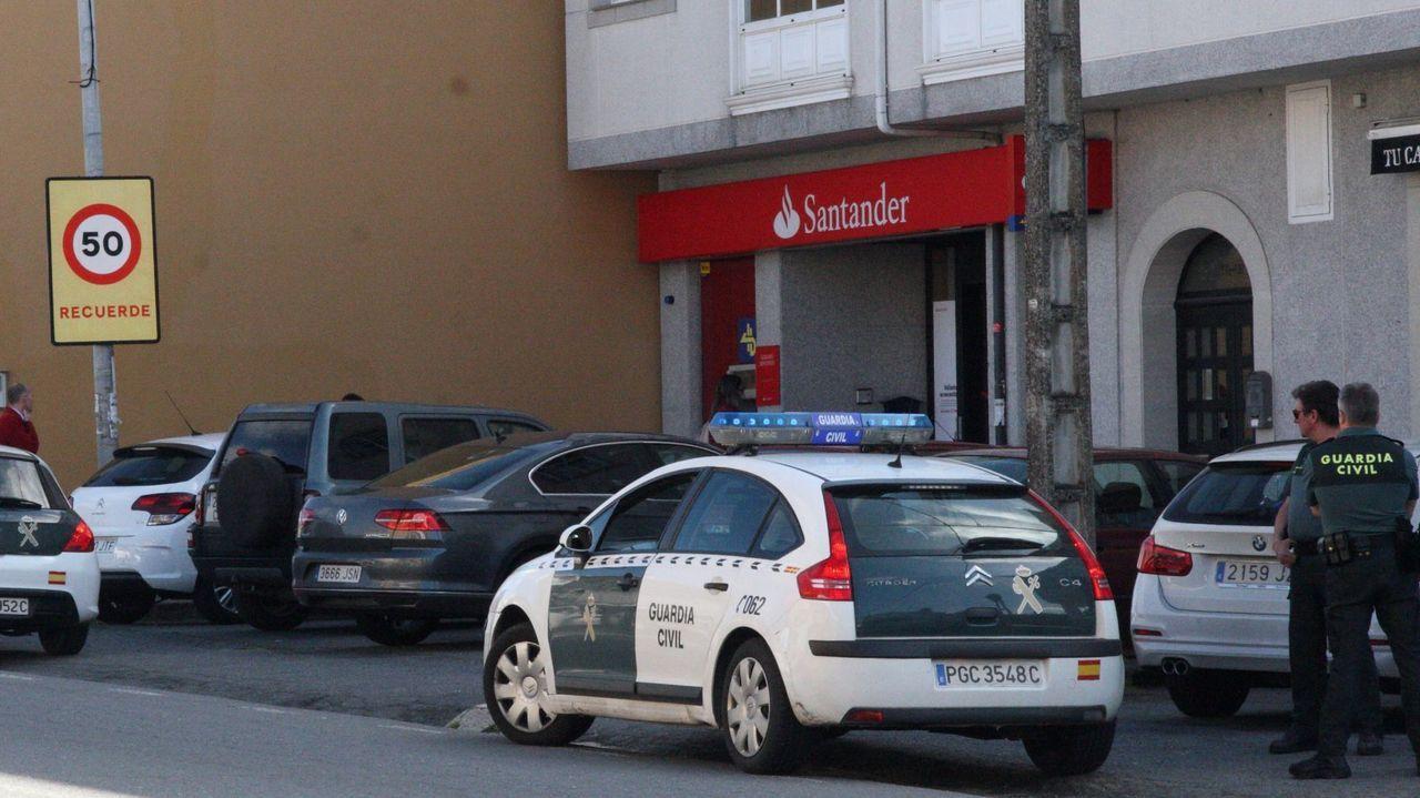 Los robots anticovid, en marcha.Imagen de archivo de la oficina del Banco Santander