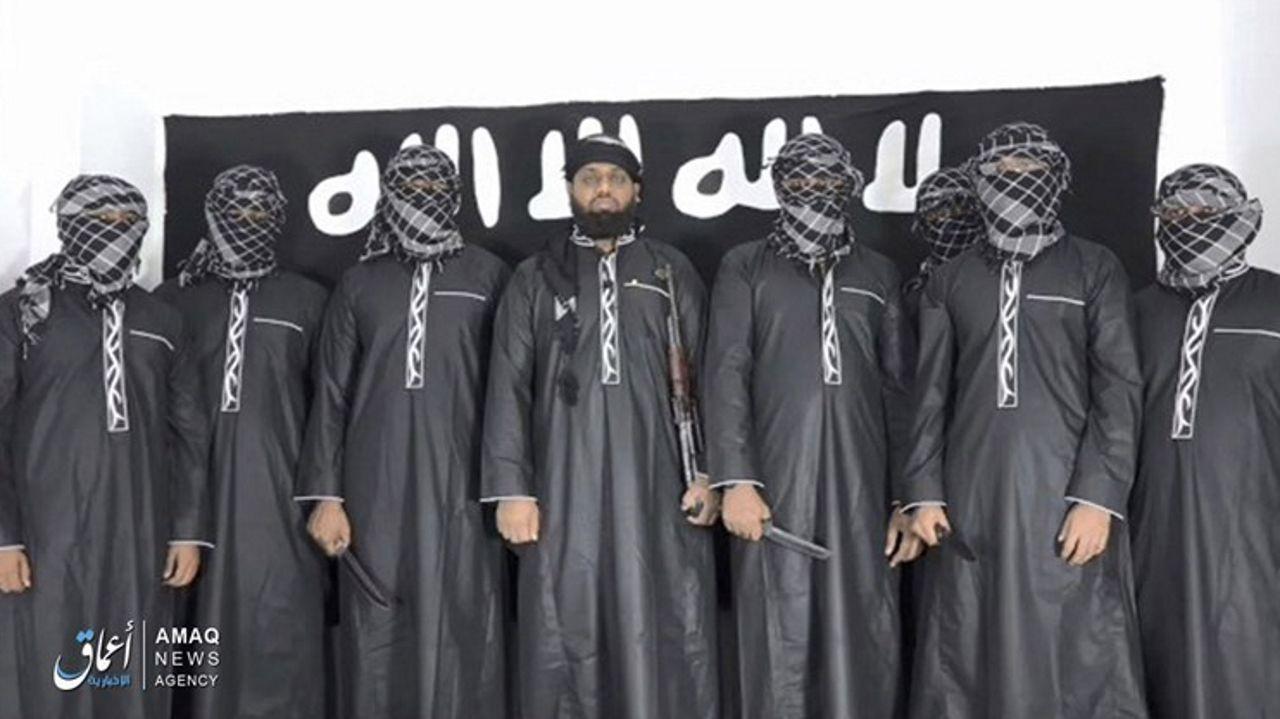 Captura del vídeo en el que los terroristas reivindican la autoría de los atentados