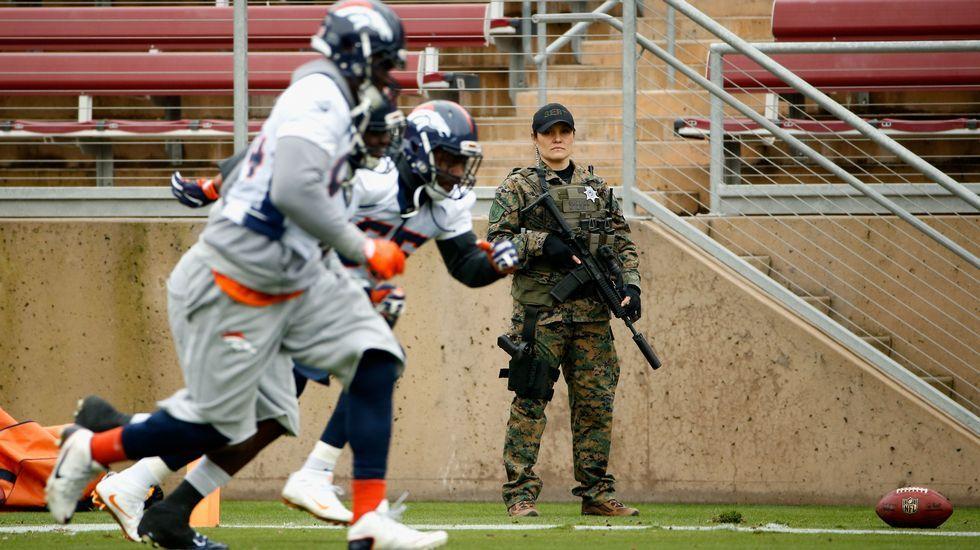 Seguridad extrema en el entrenamiento de los Broncos