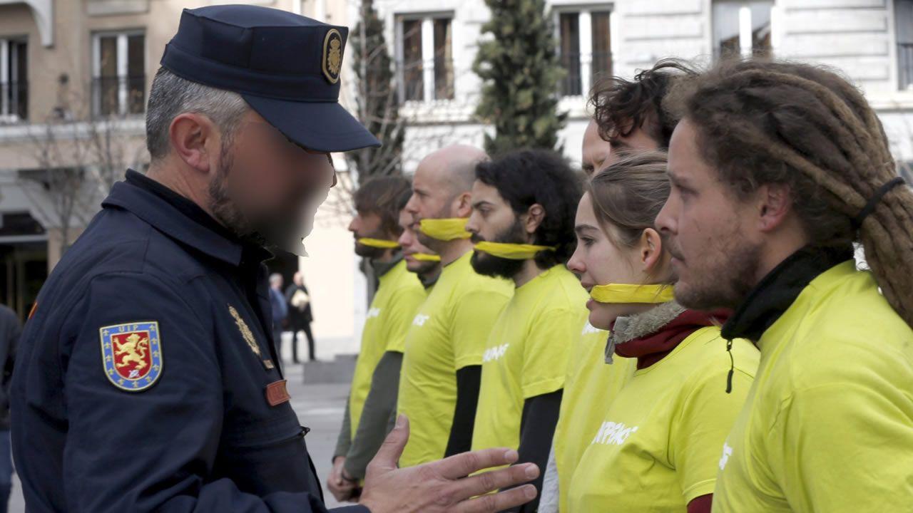 Protesta de Greenpeace contra la ley mordaza