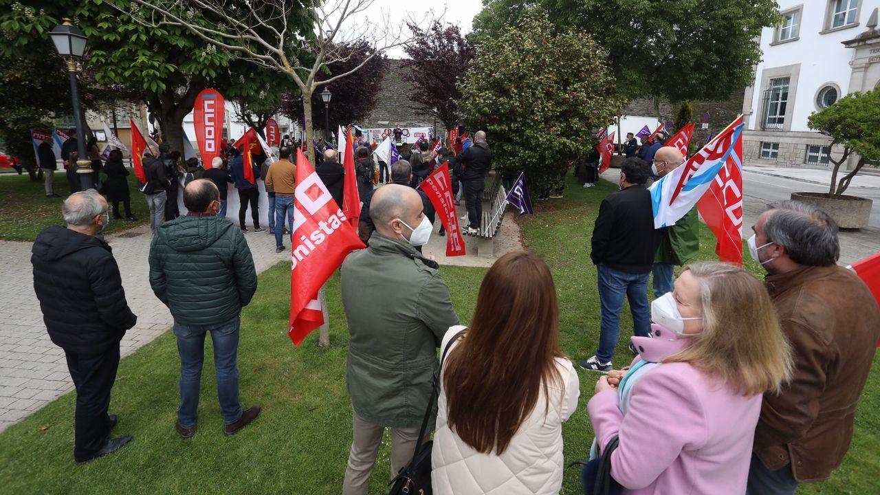Lugo celebró el Día del Trabajador.Los participantes en la manifestación conjunta de CC.OO. y UGT partieron de Porta Nova y finalizaron en la plaza de Armas