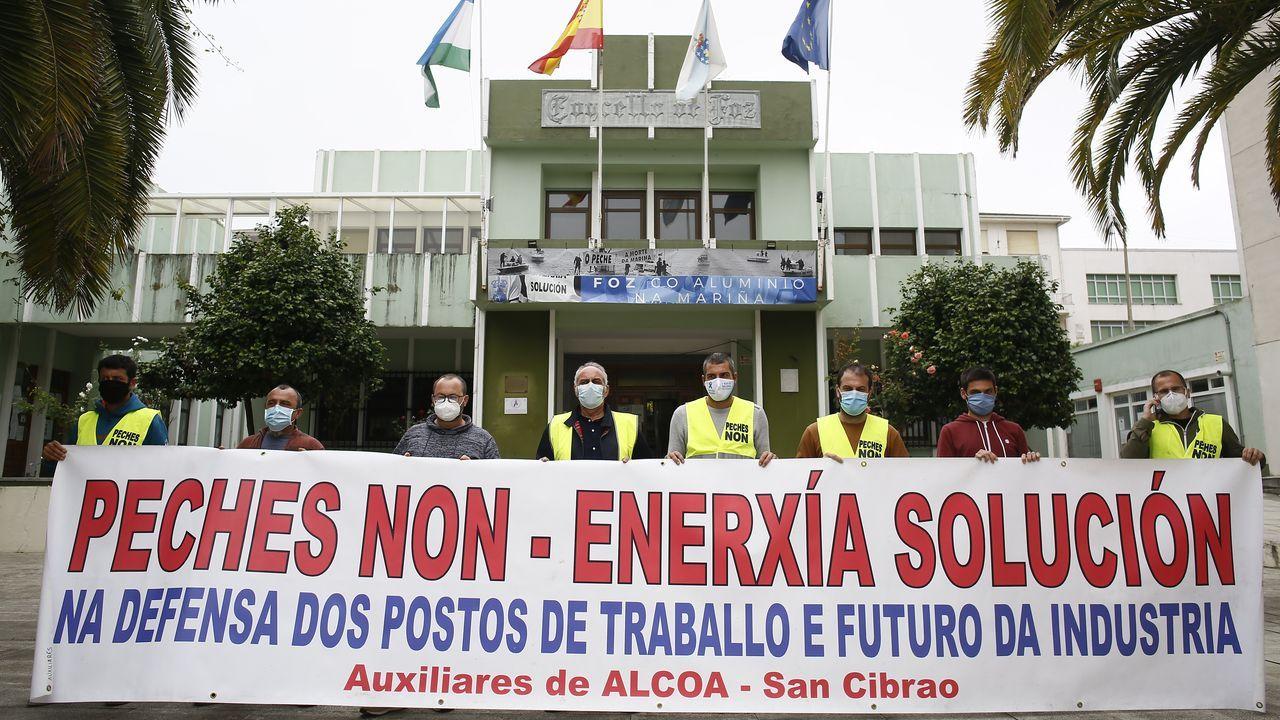 Vídeo de la protesta en San Cibrao de los «crucificados» por Alcoa.Dirigentes del comité de empresa, en una rueda de prensa el pasado día 7