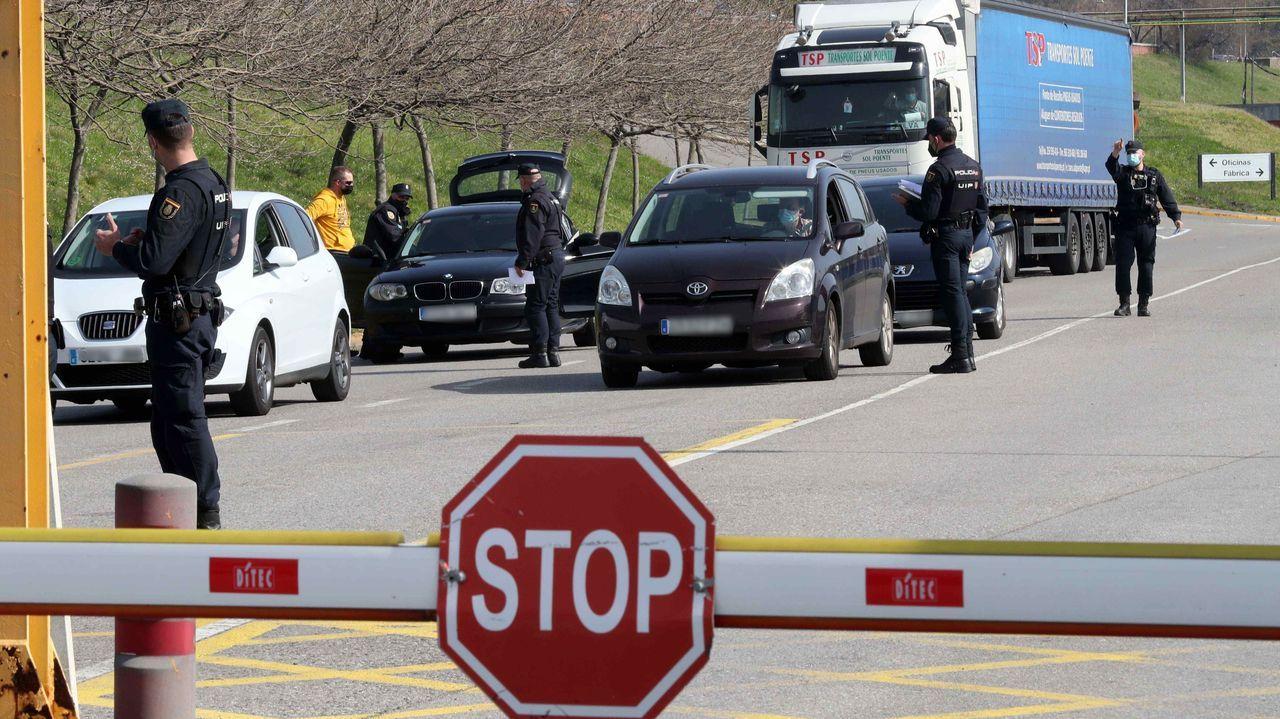 La Policía Nacional interviene en las oficinas de Alu Ibérica en Mieres