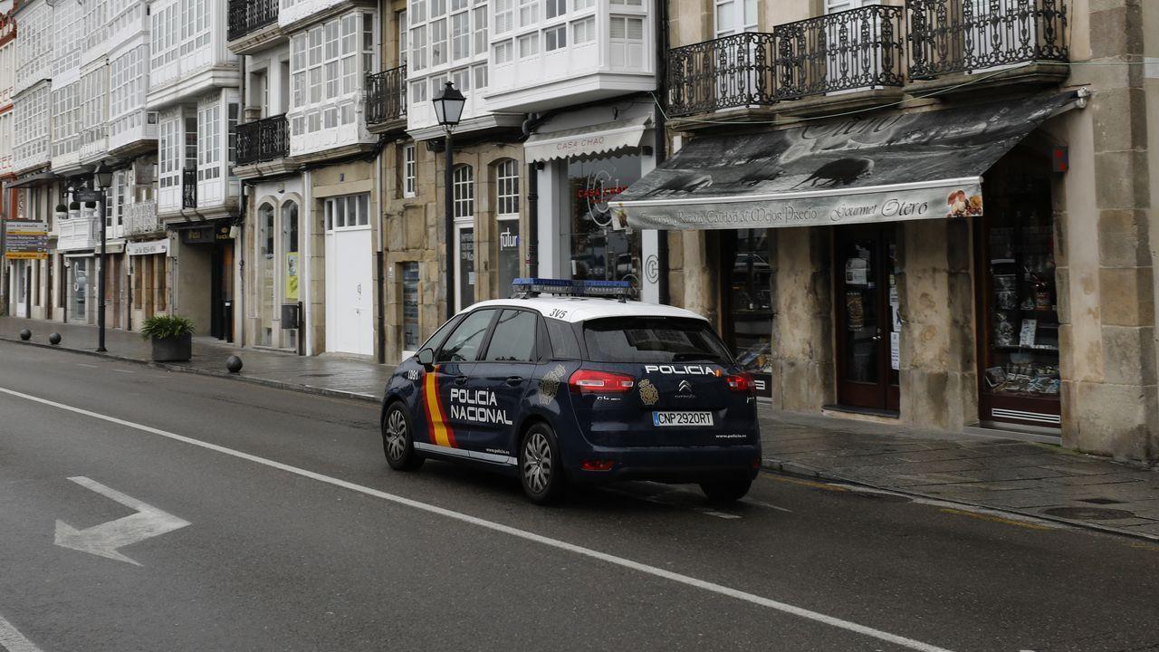 Comisaría de la Policía Nacional en Gijón.La Policía Nacional patrullando por Viveiro