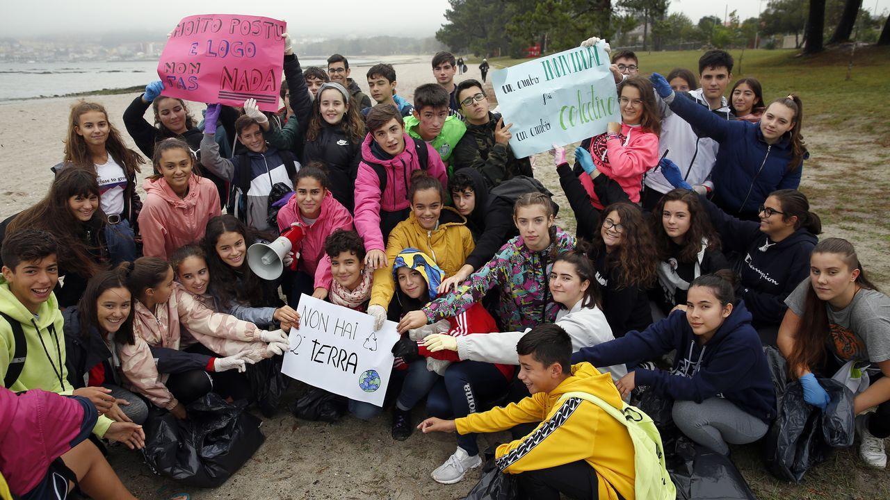 Jóvenes gallegos se suman a la «Huelga Mundial por el Clima».El huracán Lorenzo situado en el centro del Atlántico