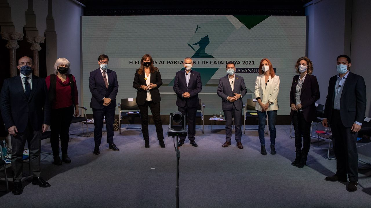 Los nueve principales candidatos a la Generalitat, este viernes en el primer debate, organizado por  La Vanguardia