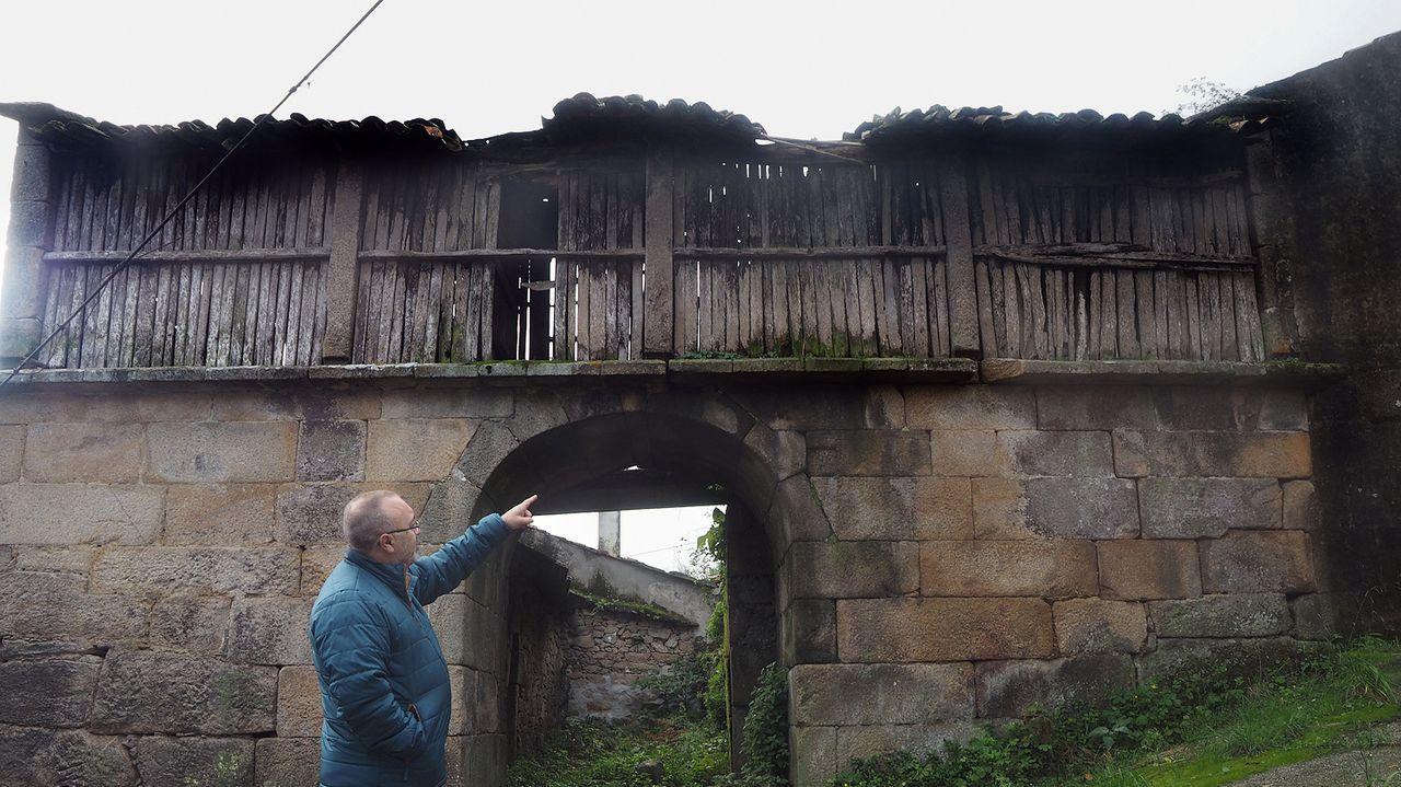 Meirás,el fantasma de Franco que persigue a Emilia Pardo Bazán.Petroglifos de Pé de Mula, en la parroquia de Sabaxáns, Mondariz