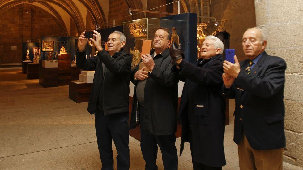 Cursillo de reanimación y desfibrilador en el Parlamento de Galicia