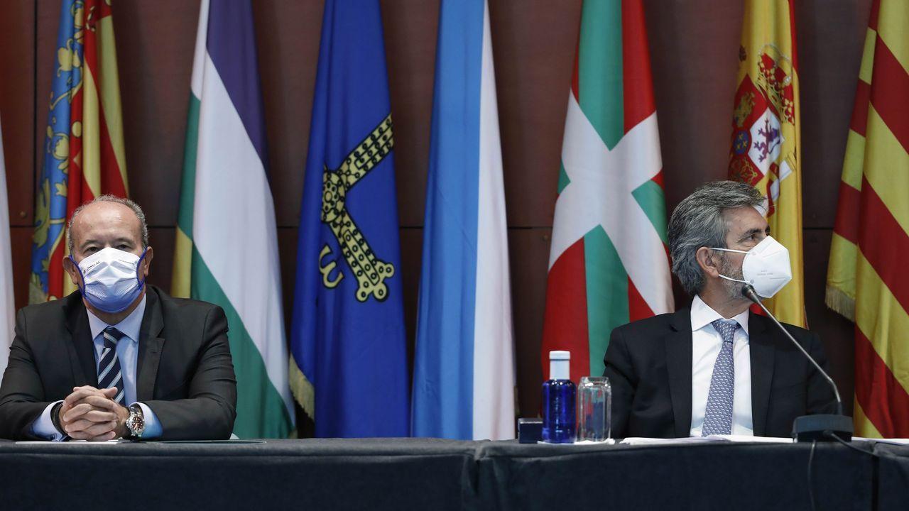 El ministro de Justicia, Juan Carlos Campo, y el presidente del CGPJ, Carlos Lesmes, en un acto en Barcelona