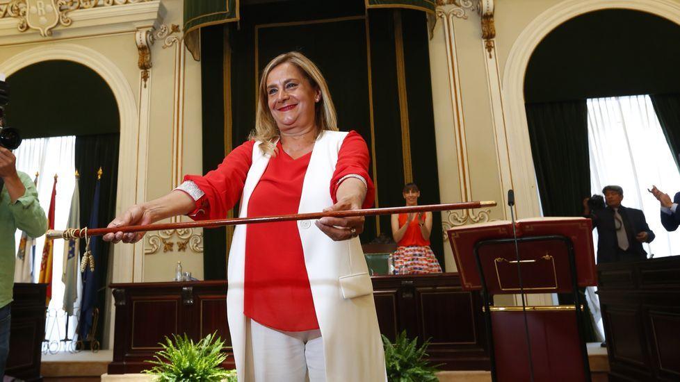 Carmela Silva vuelve a levantar el bastón de la Diputación.HIDROGENESSE EN AL VIVE NIGRÁN