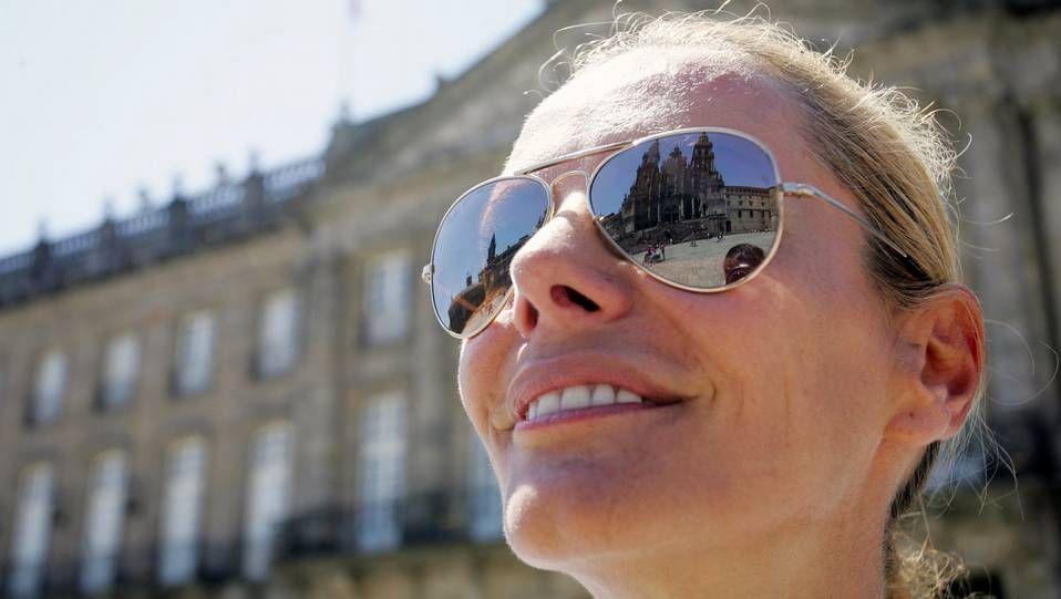 La presentadora gallega Paula Vázquez tras realizar el Camino de Santiago en bicicleta eléctrica.