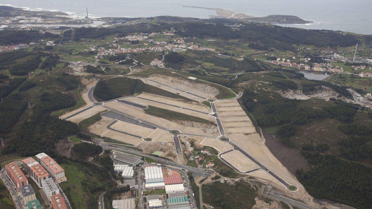 Accidente en la A-52 en Cualedro.Alerta por temporal en Asturias