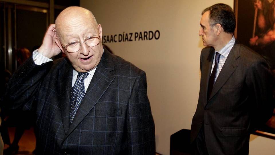 A Coruña acoge una exposición sobre la pintura de Díaz Pardo.Mauro Varela y José María Castellano en la inauguración hoy de una exposición en A Coruña