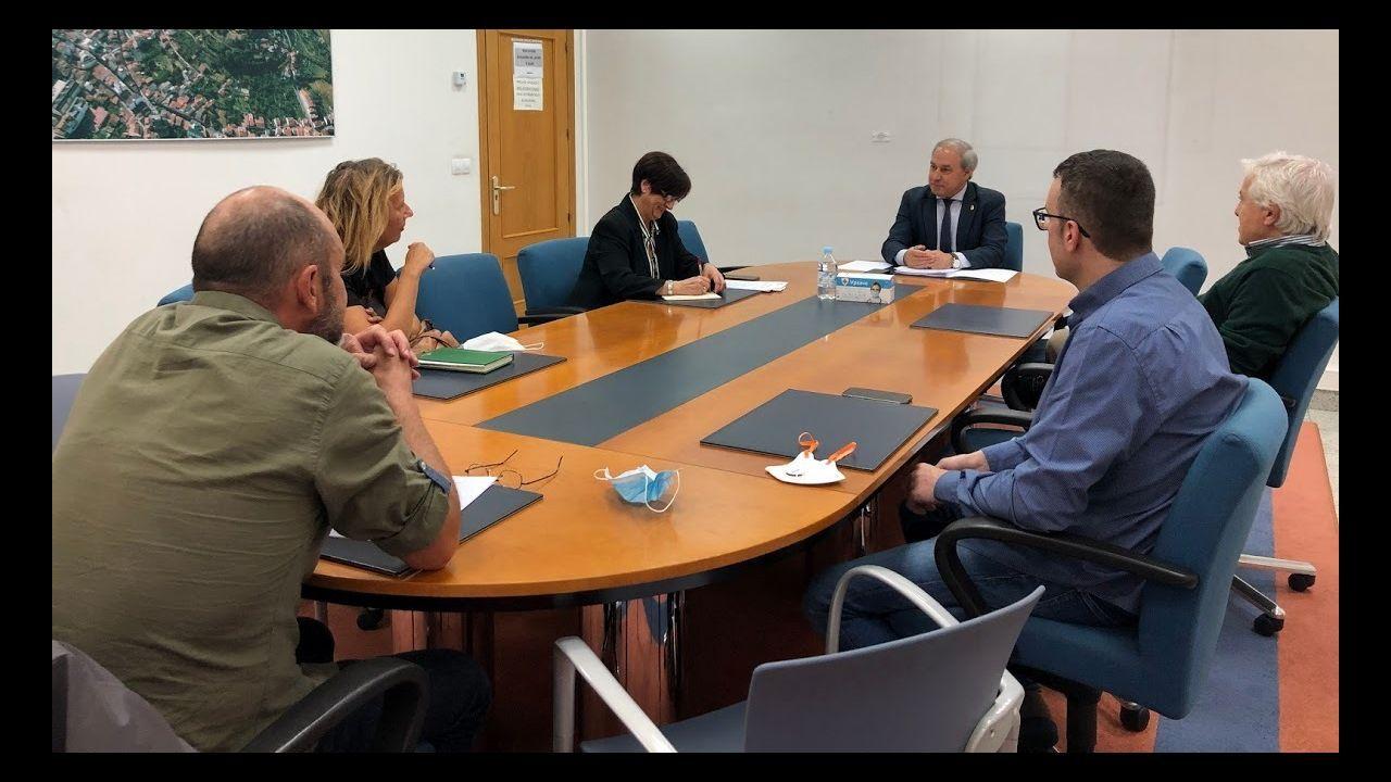 Reunión en la que el alcalde informó a representantes de comerciantes, hosteleros, constructores y empresarios de las características del plan Reactiva Monforte