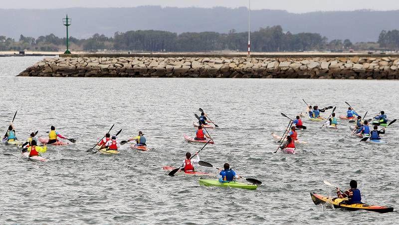 El kayak oceánico extremo también se practica en Galicia.Equipo del Club Piragüismo Viveiro que compitió en Aldán.