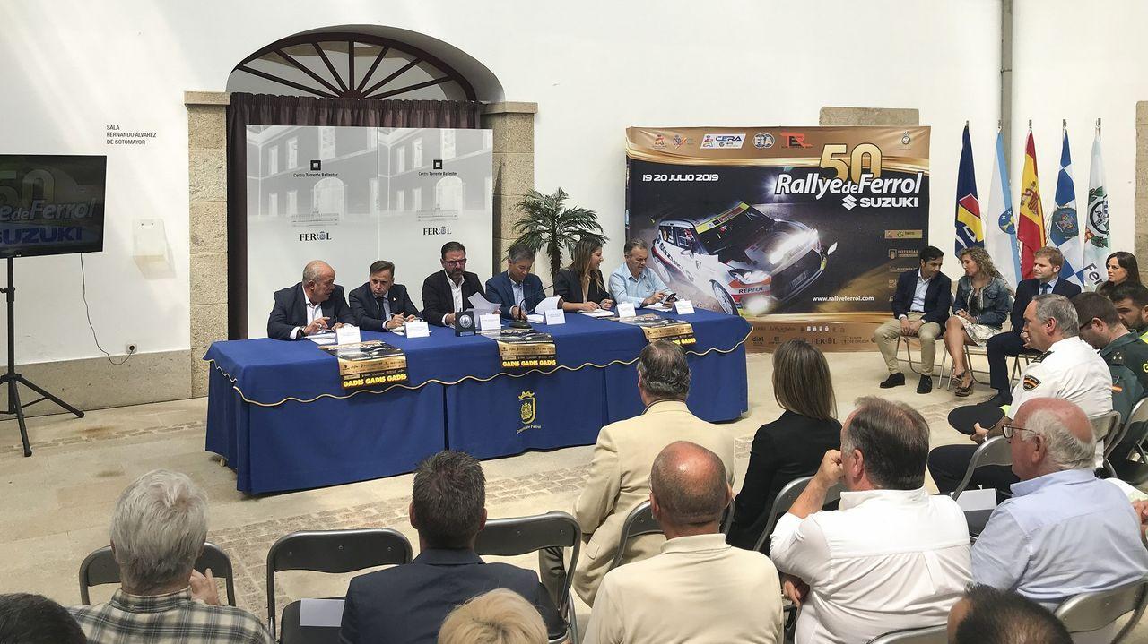 RUTA MONASTERIOS Y CASTILLOS DE AUTOMÓVILES CLÁSICOS.Fernando Alonso en el Museo Circuito del piloto