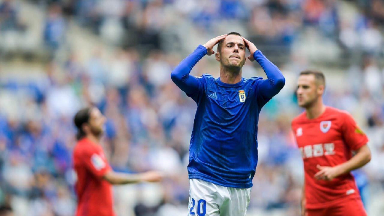 Tejera Real Oviedo Numancia Carlos Tartiere.Sergio Tejera se lamenta de una ocasión fallada frente al Numancia