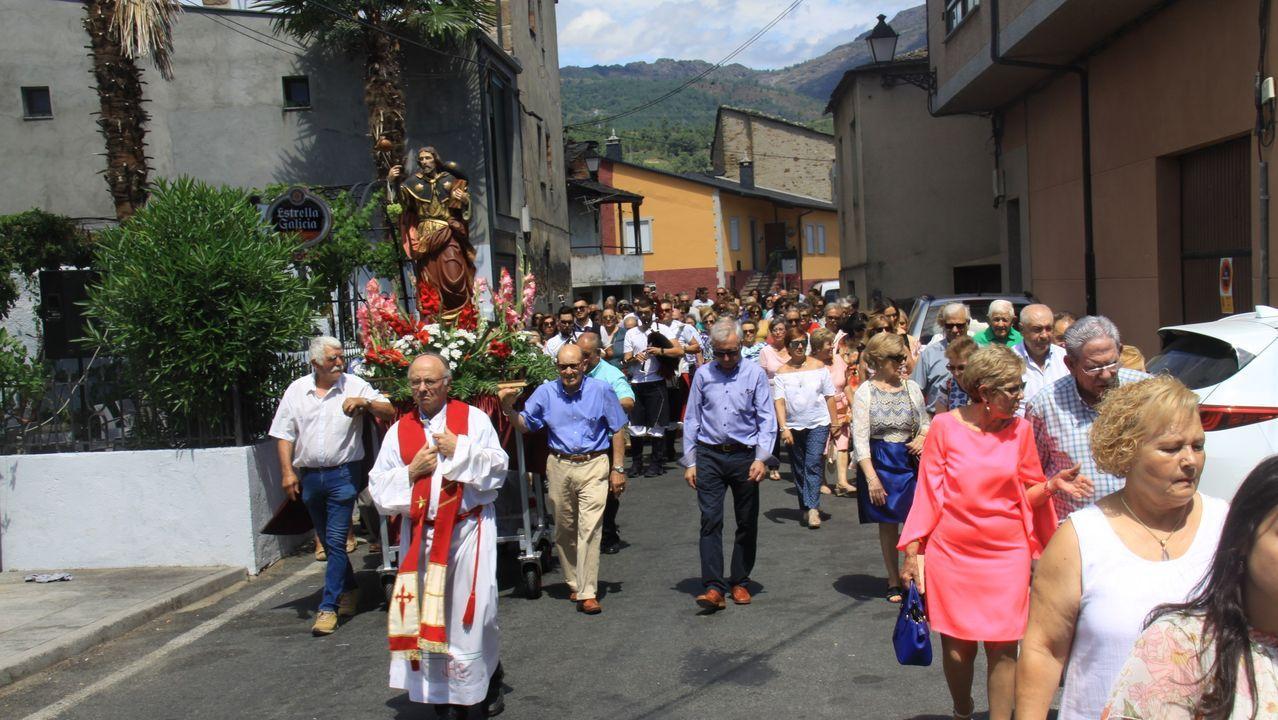 El Entroido vuelve a Verín en verano.Un diseño de Jorge Álvarez cerrará el desfile del CCA de O Barco