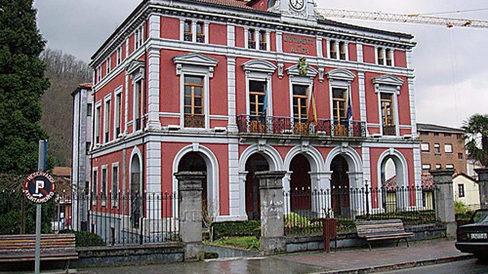 El Ayuntamiento de Aller.El Ayuntamiento de Aller