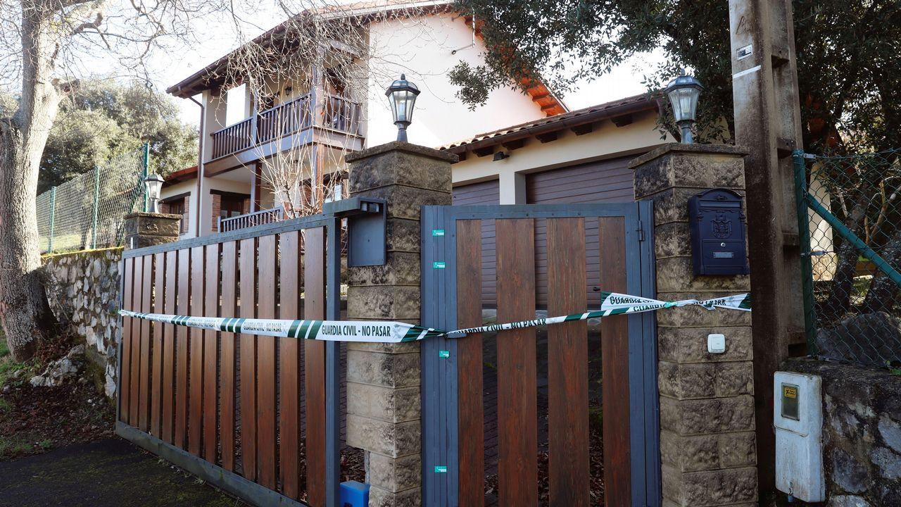 Vista de la vivienda del concejal asesinado el pasado mes de agosto Javier Ardines.