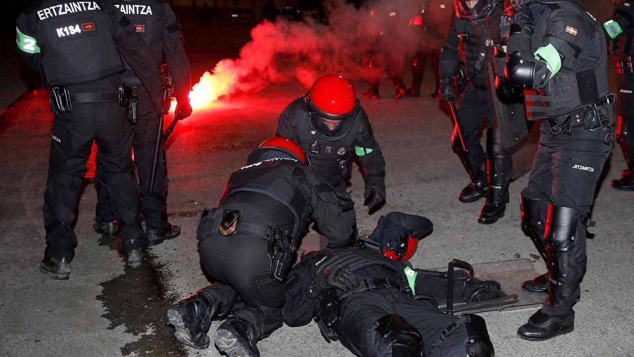 Violentos enfrentamientos entre aficiones en las inmediaciones de San Mamés