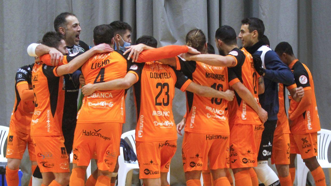 El equipo de Juanma Marrube celebró su segunda Copa Galicia sobre el parqué de A Gándara