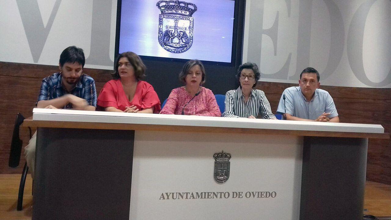Concejales de Somos Oviedo, con Ana Taboada en el centro
