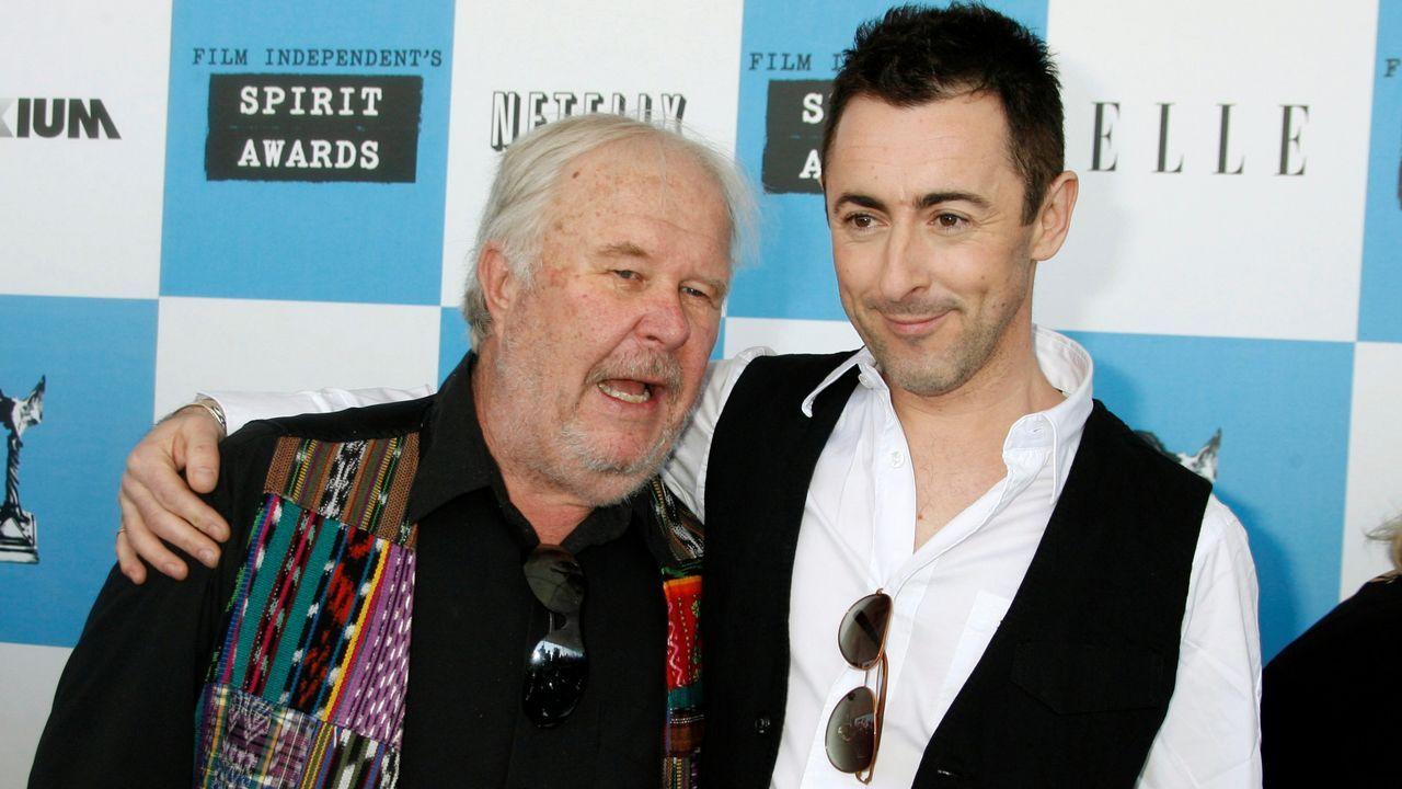 Beatty, a la izquierda, con Alan Cumming, en una imagen del 2007