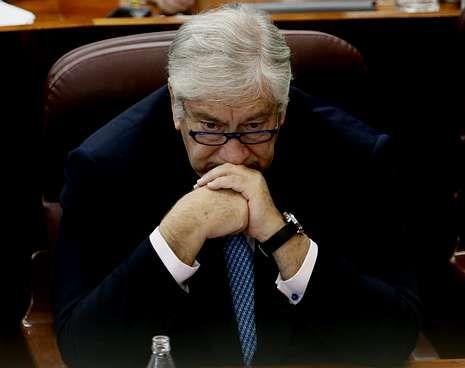 El consejero Javier Rodríguez, durante un pleno celebrado en la Asamblea de Madrid.