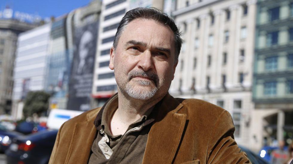 <span lang= gl >O último de Miguelanxo Prado</span>.Gimferrer, elegido Escritor Galego e Universal.