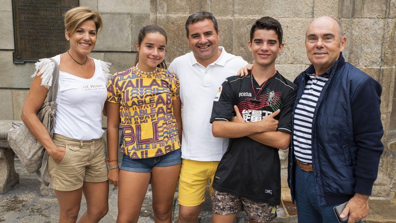 José Miguel Vallejo y su familia fotografiados en Ourense