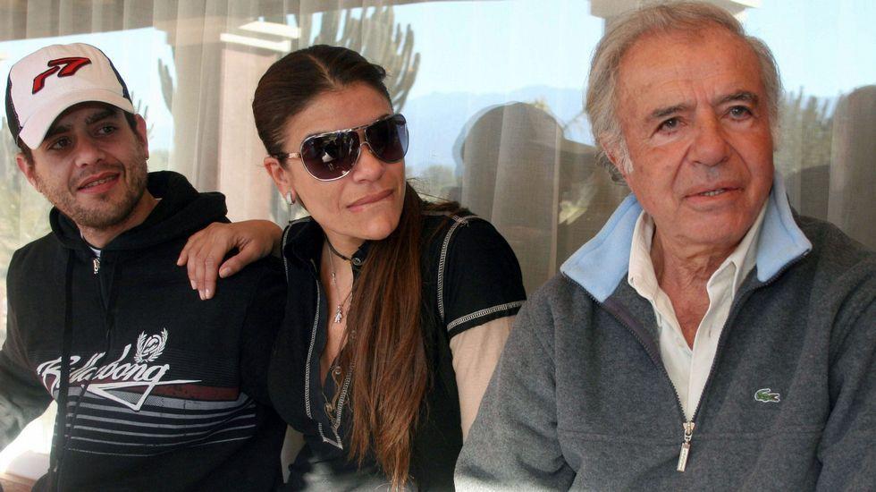 Carlos Naim Menem, con su hermana y su padre