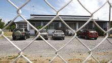 Exterior del centro de salud de A Pobra do Brollón, donde se realizaron las pruebas PCR a los vecinos